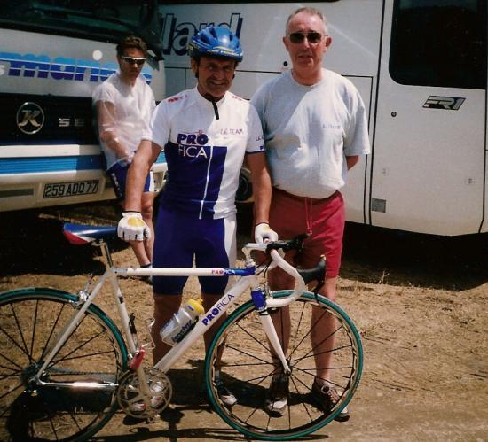 Bernard Darniche avec Papi Vélo
